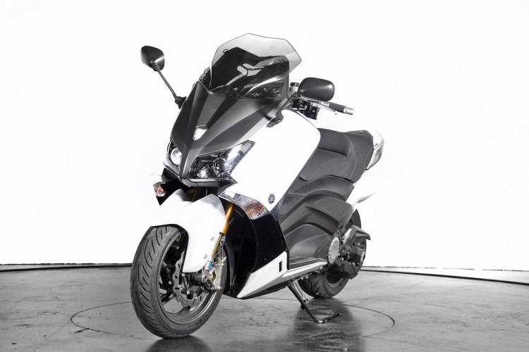 2013 Yamaha T-Max 530 1