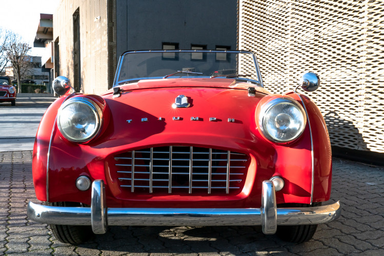 """1958 Triumph TR3A """"Bocca Stretta"""" 32"""