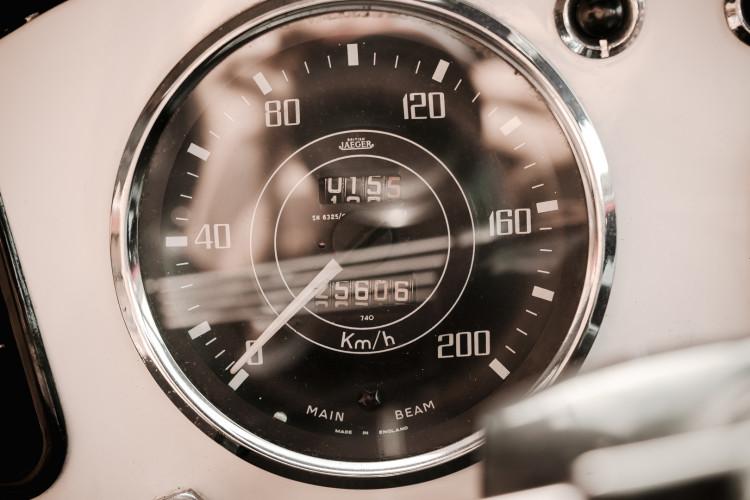 1963 Triumph TR4 29