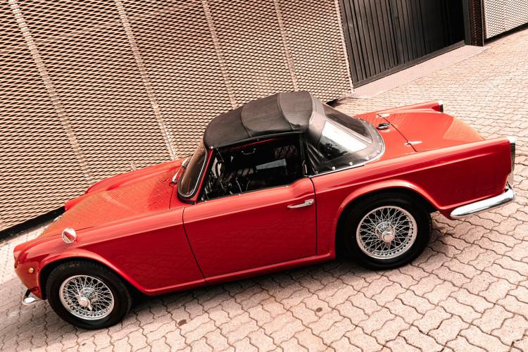 1963 Triumph TR4 10