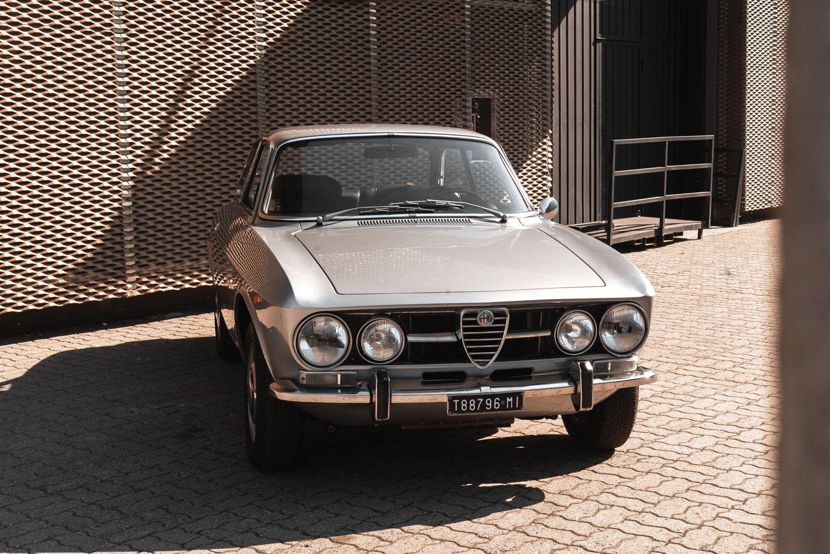1974 Alfa Romeo GT Veloce 1750 83197