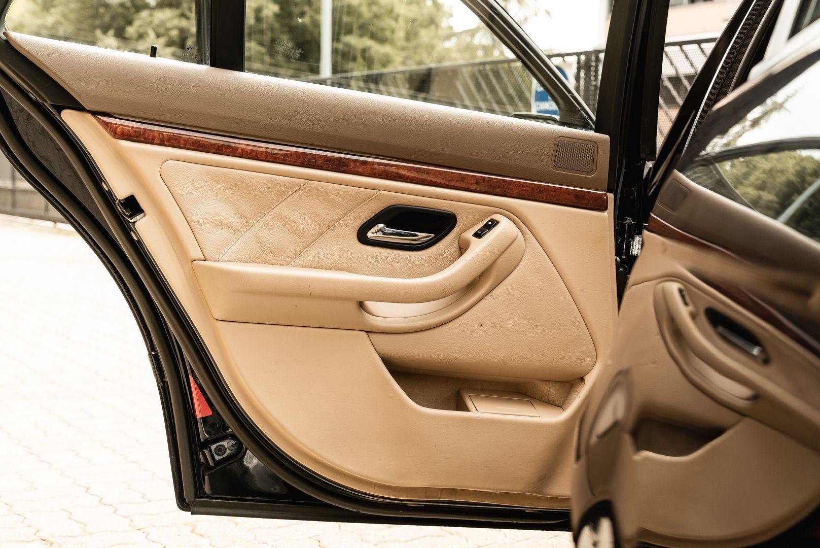 1998 BMW Alpina B10 Touring V8 82/204 78192