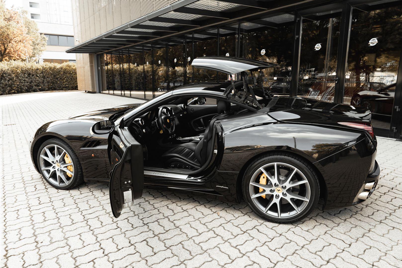 2010 Ferrari California 4.3 DCT 83001