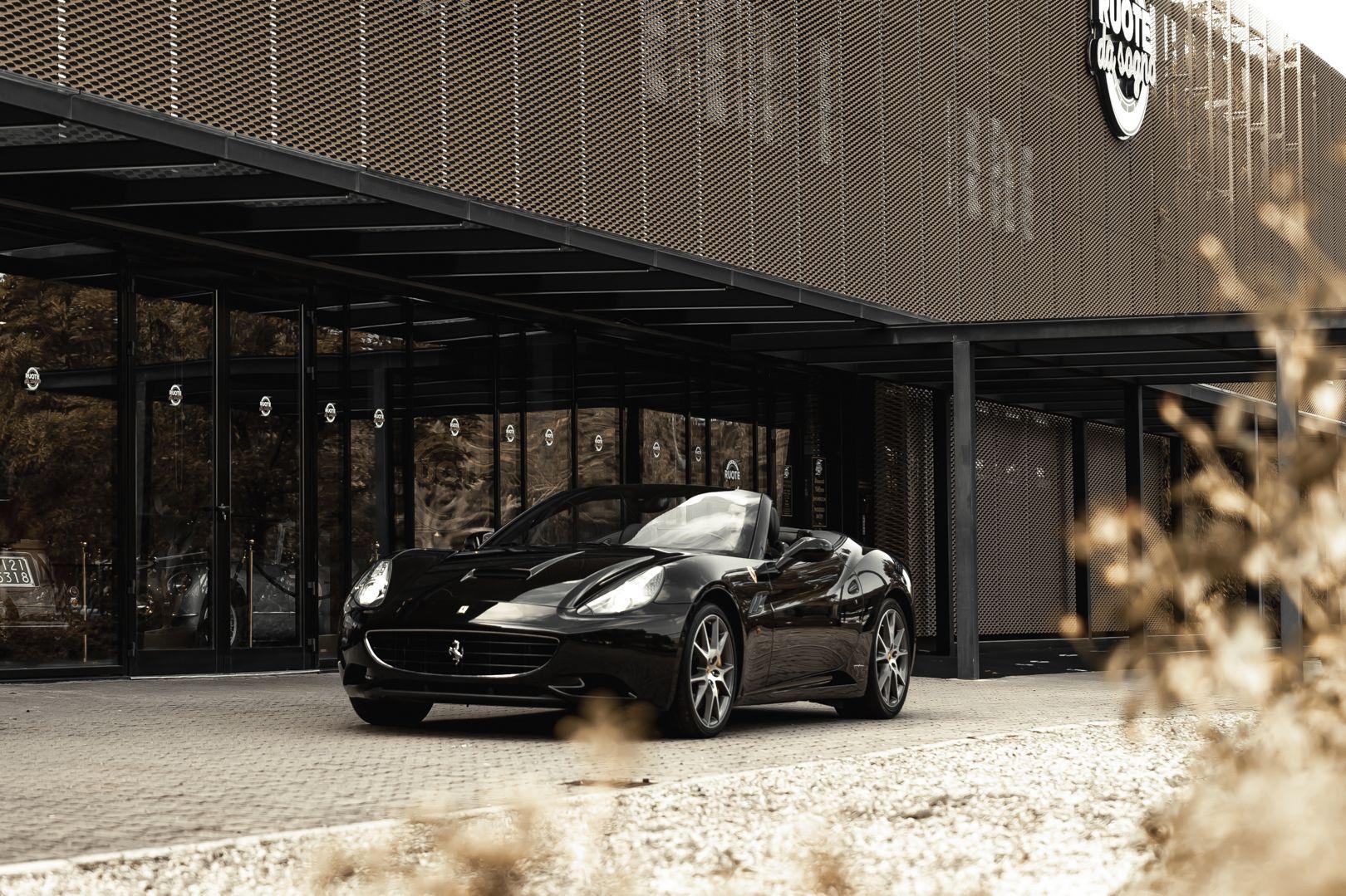 2010 Ferrari California 4.3 DCT 83021
