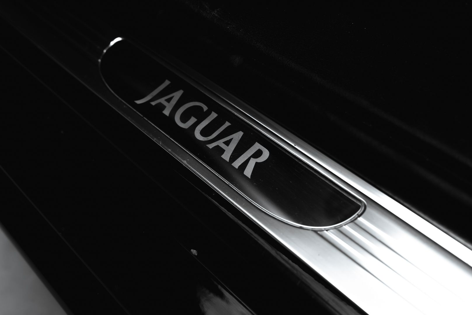 2002 Jaguar S-Type R 4.2 V8 81196