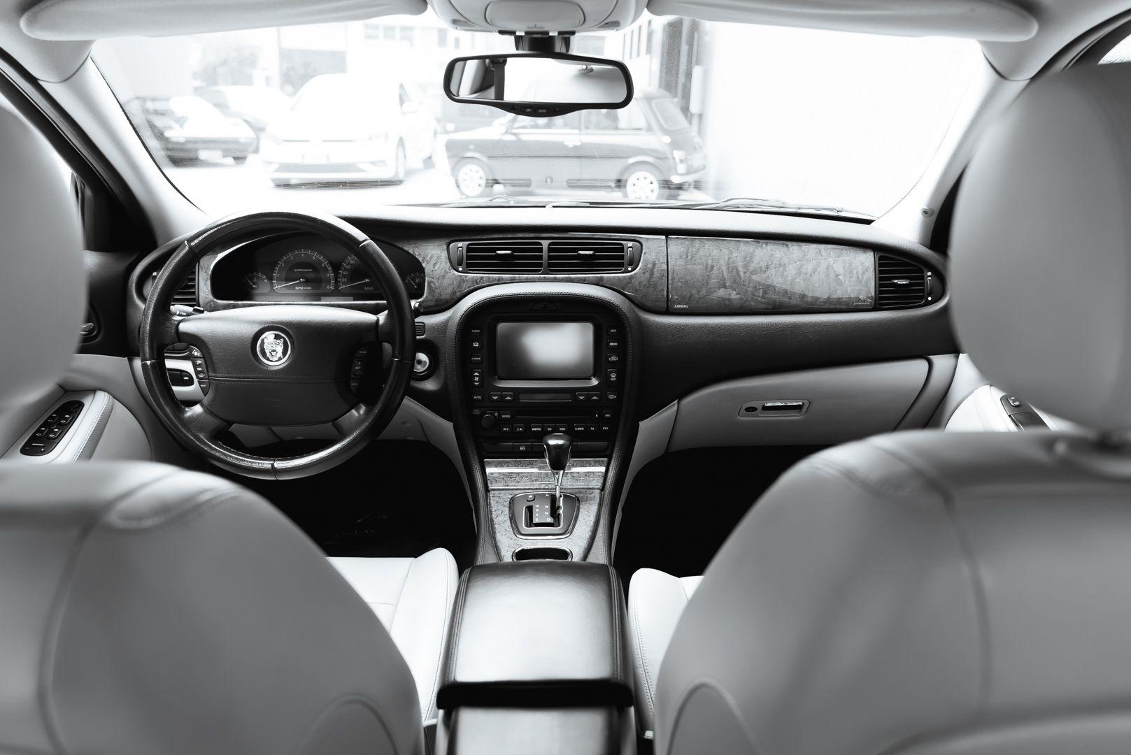 2002 Jaguar S-Type R 4.2 V8 81183