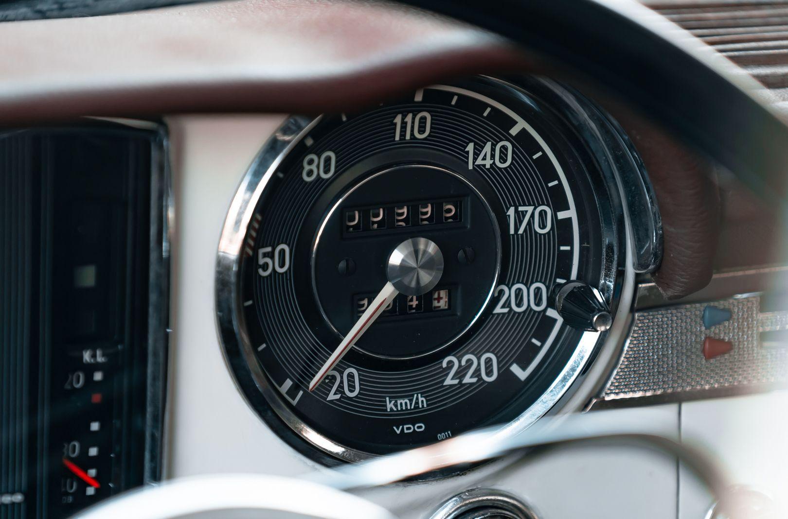 1966 Mercedes Benz SL230 Pagoda 75877