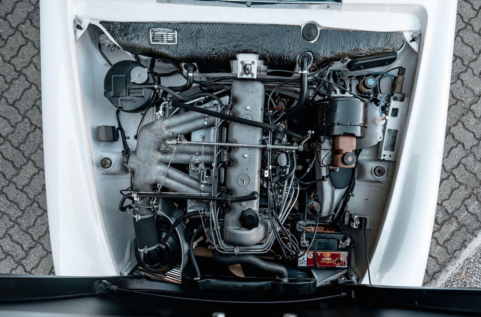 1966 Mercedes Benz SL230 Pagoda 75889