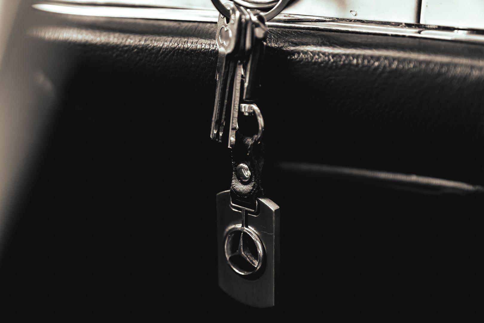 1965 Mercedes-Benz SL230 Pagoda 78541