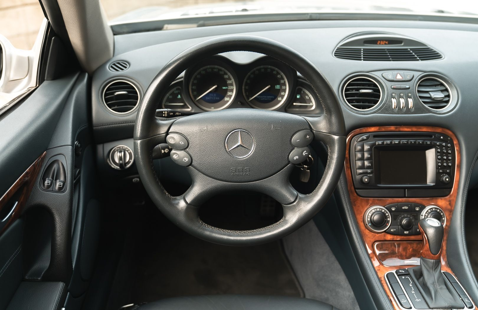 2002 Mercedes-Benz SL500 84170