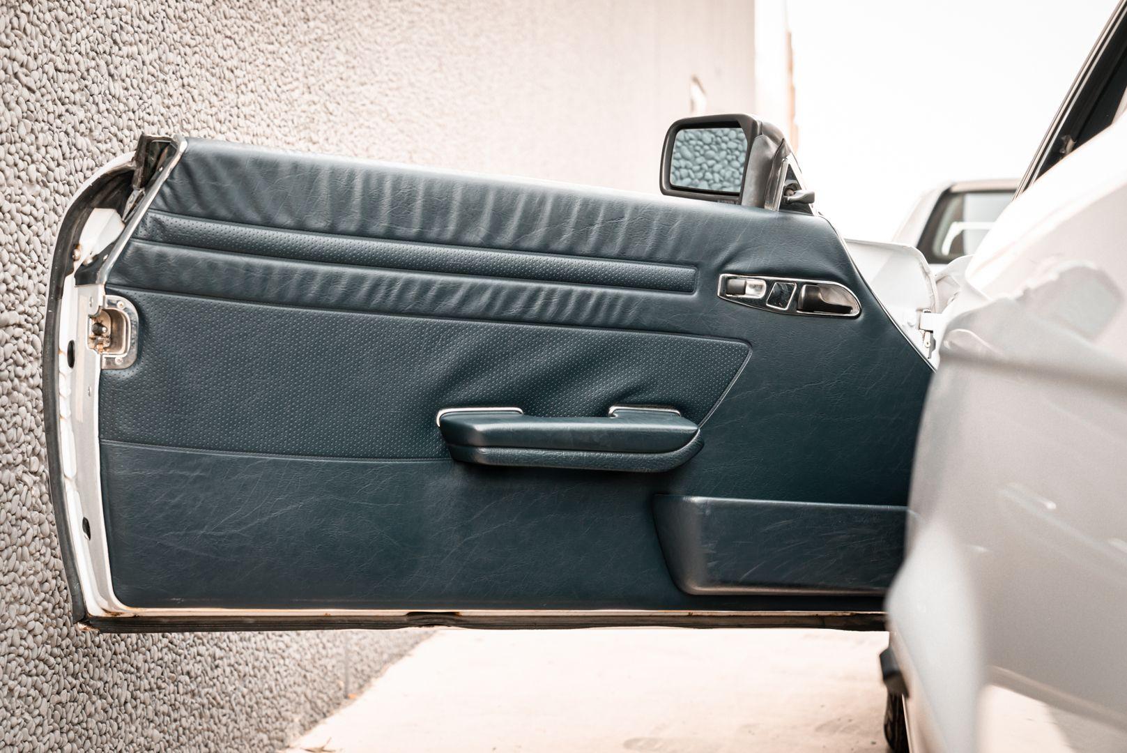 1985 Mercedes-Benz SL 560 77055