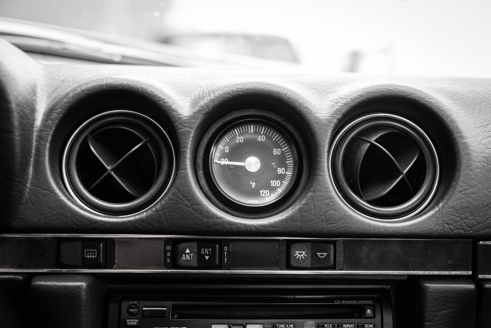 1985 Mercedes-Benz SL 560 77060