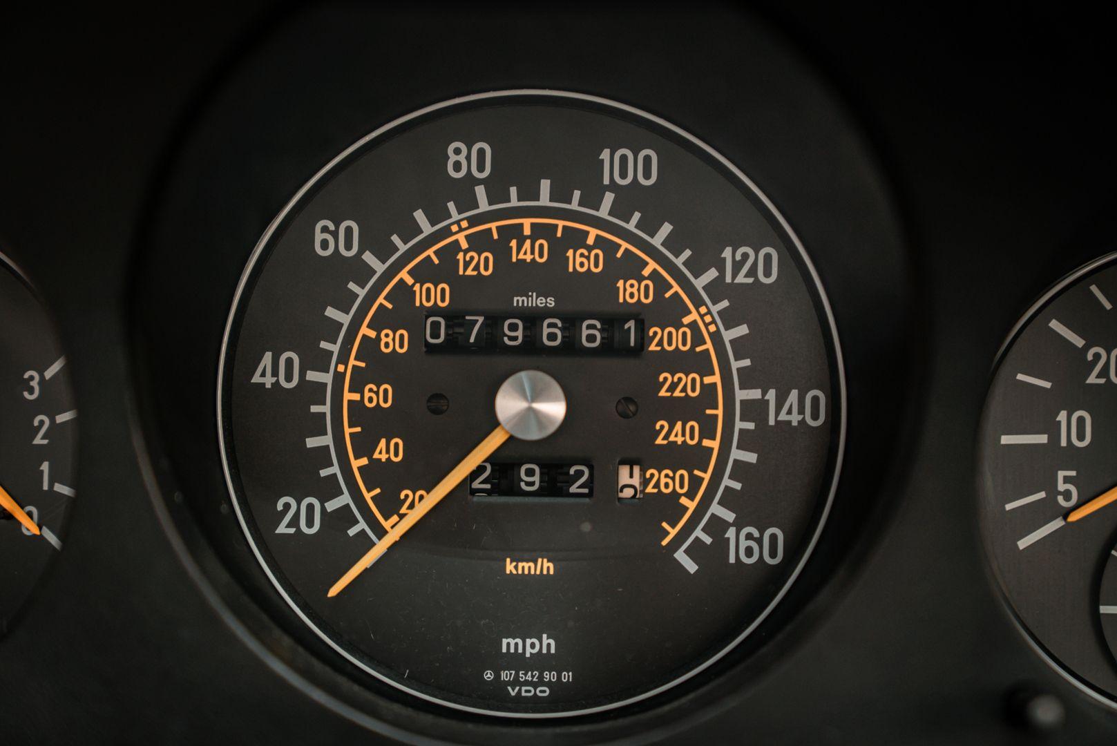 1985 Mercedes-Benz SL 560 77061