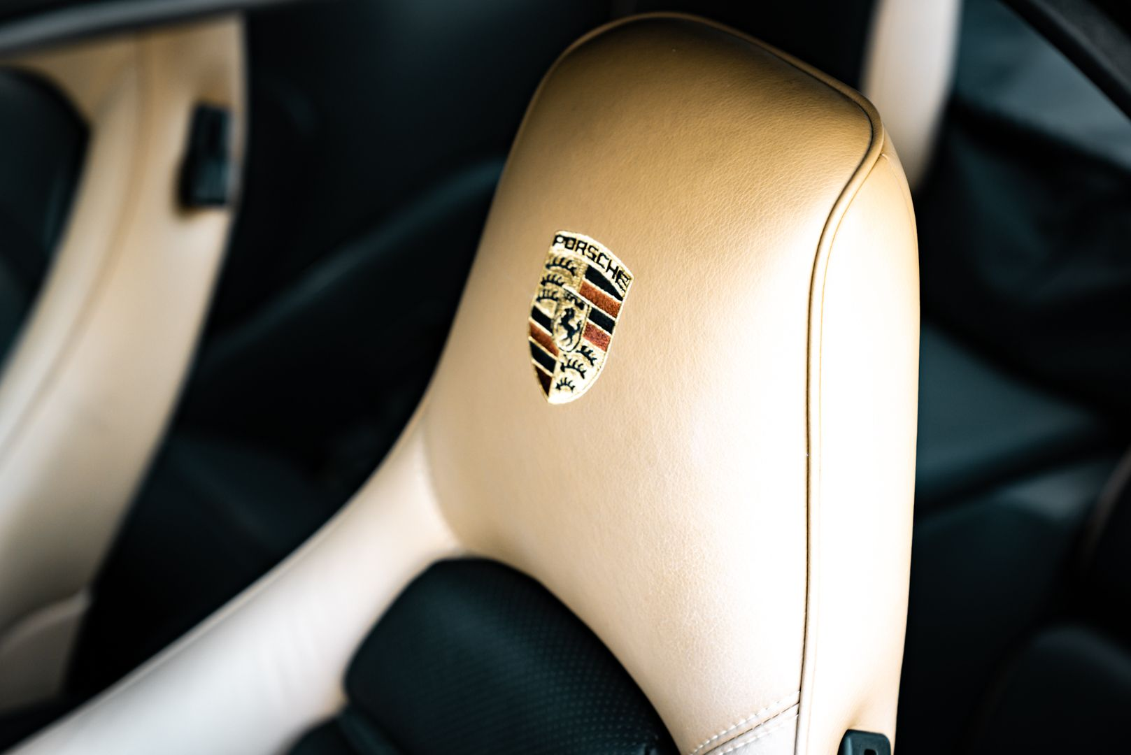 1985 Porsche 928 S 77494