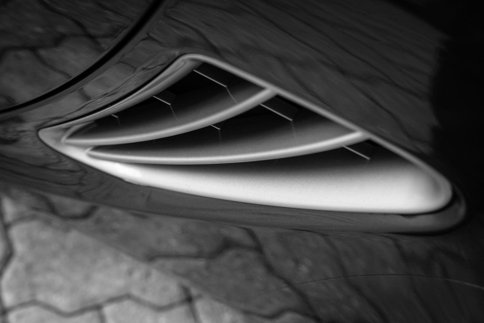 2012 Porsche Cayman R 77950