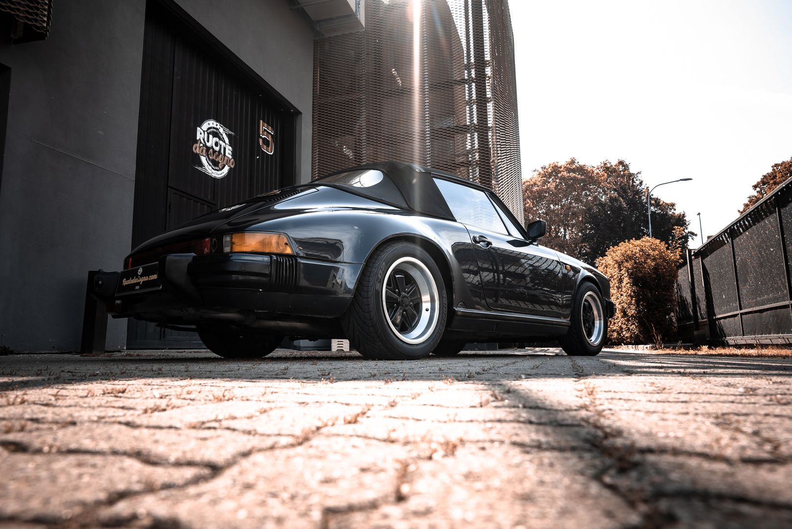 1986 Porsche 911 Carrera 3.2 Cabrio 70901