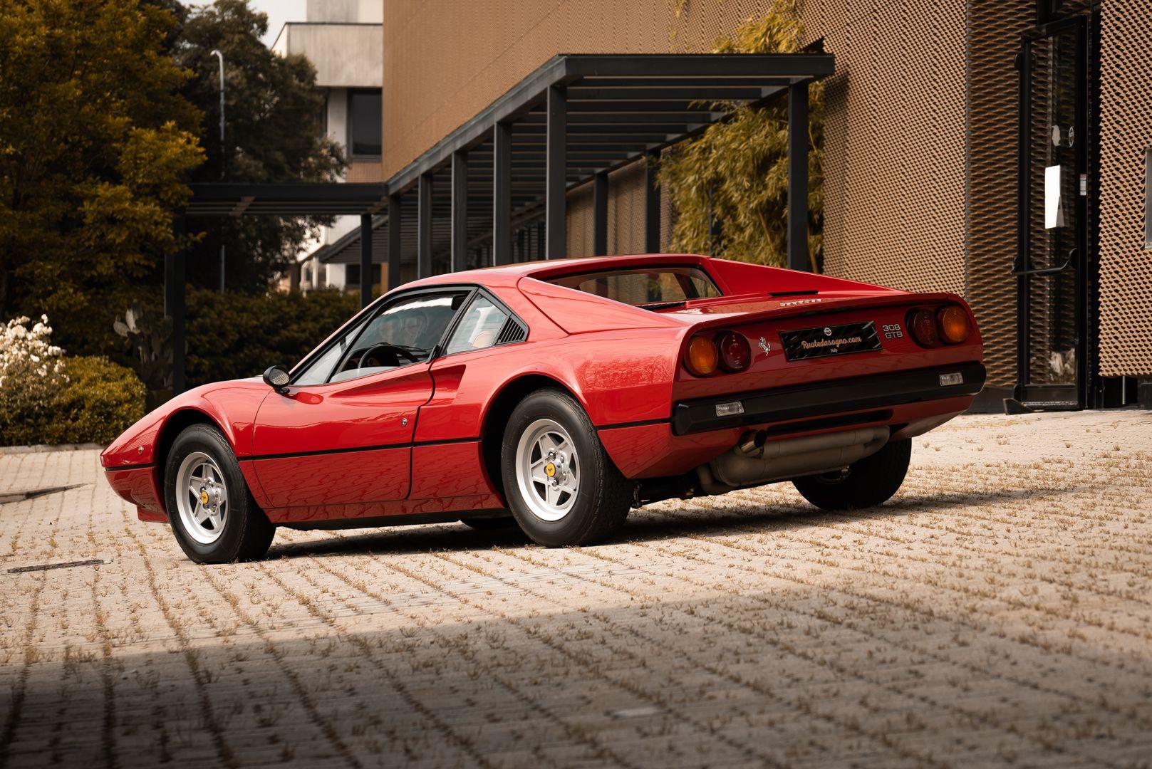 1976 Ferrari 308 GTB Vetroresina 74030