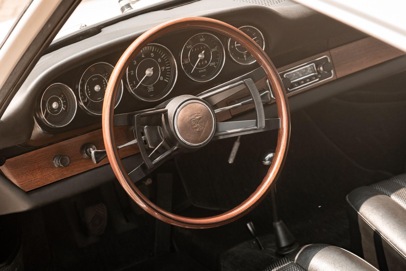 "1966 Porsche 911 2.0 L - S.W.B. ""Serie 0"" 75335"