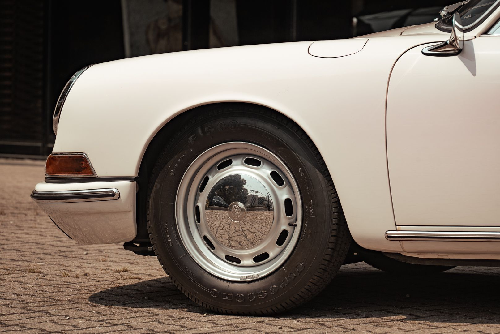 "1966 Porsche 911 2.0 L - S.W.B. ""Serie 0"" 75309"
