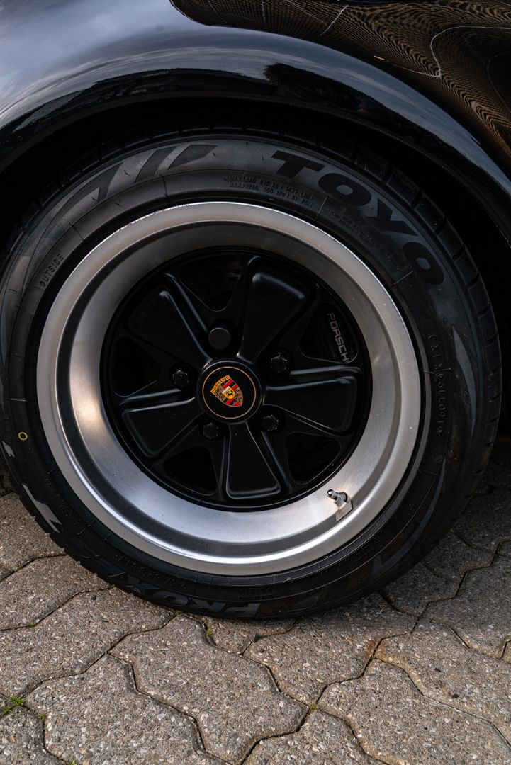 1989 Porsche 911 Speedster Turbo Look 63327