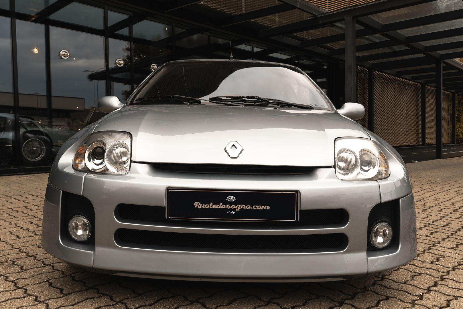 2002 Renault Clio 3.0 V6 Renault Sport Phase1 84919