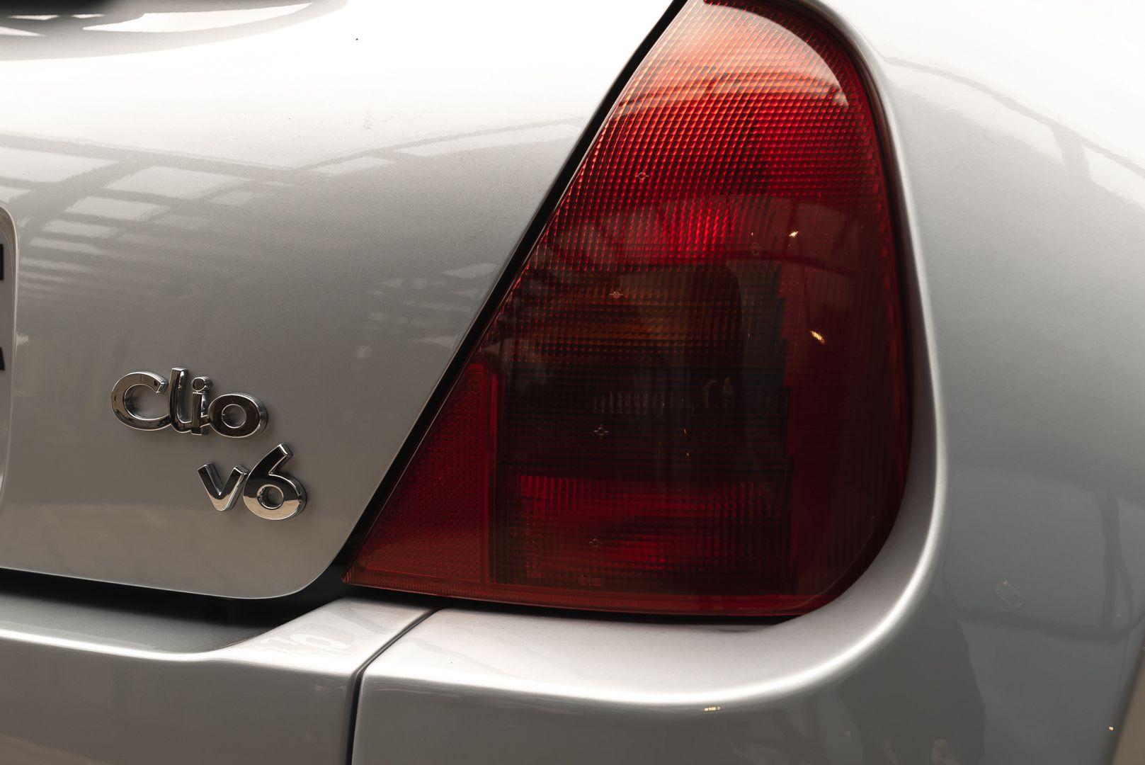 2002 Renault Clio 3.0 V6 Renault Sport Phase1 84932