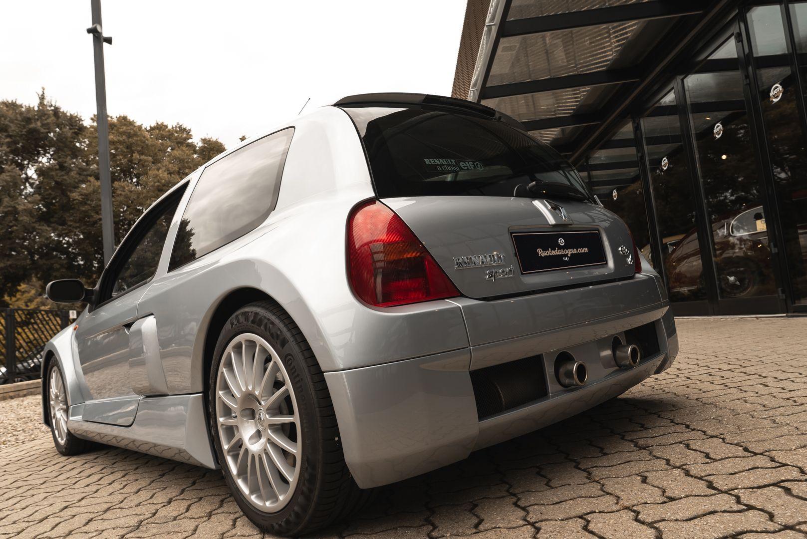 2002 Renault Clio 3.0 V6 Renault Sport Phase1 84926