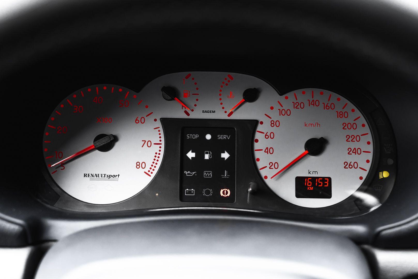 2002 Renault Clio 3.0 V6 Renault Sport Phase1 84947
