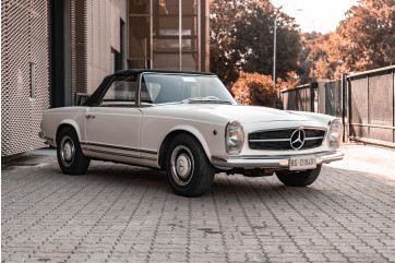 1965 Mercedes-Benz SL230 Pagoda