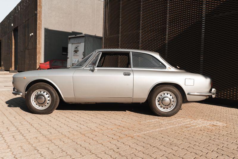 1974 Alfa Romeo GT Veloce 1750 83200