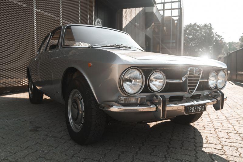 1974 Alfa Romeo GT Veloce 1750 83201