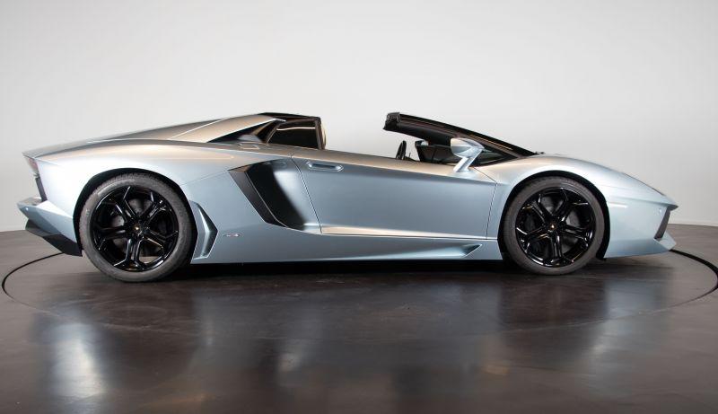 2014 Lamborghini Aventador Roadster  3802
