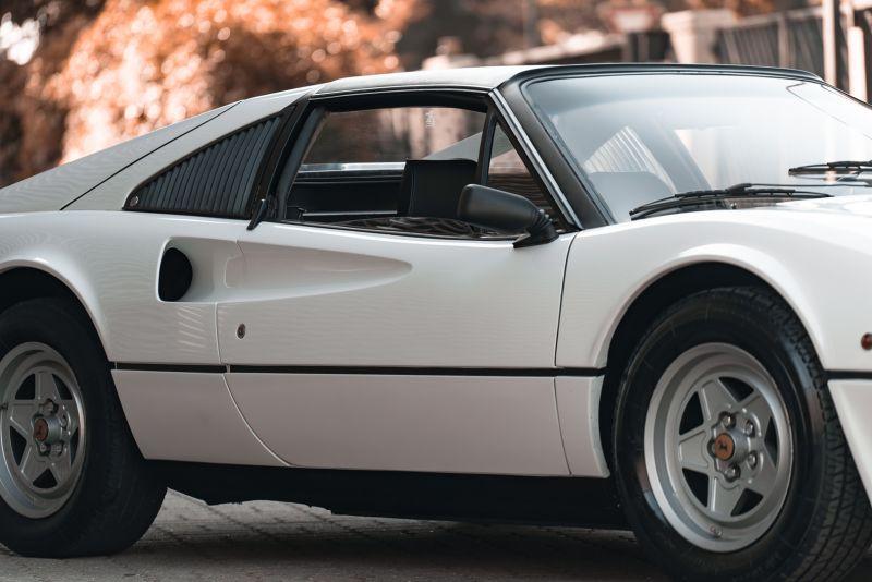 1982 Ferrari 208 GTS Carburatori 75945