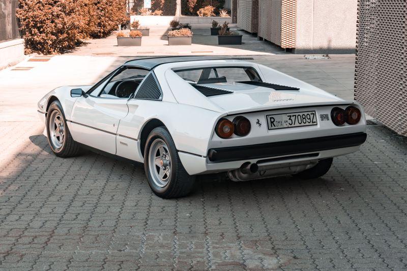 1982 Ferrari 208 GTS Carburatori 76001