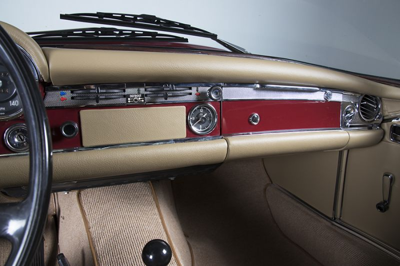 1985 Mercedes-Benz 280 SL 15453