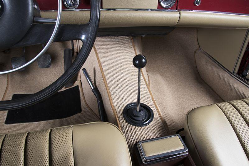 1985 Mercedes-Benz 280 SL 15454