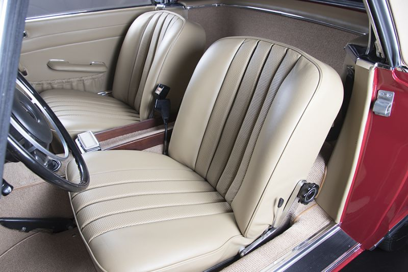 1985 Mercedes-Benz 280 SL 15456