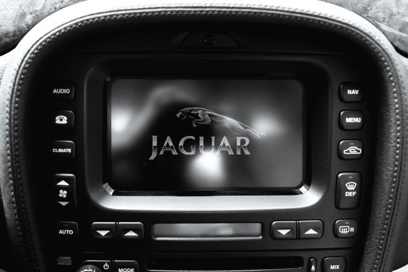 2002 Jaguar S-Type R 4.2 V8 81184