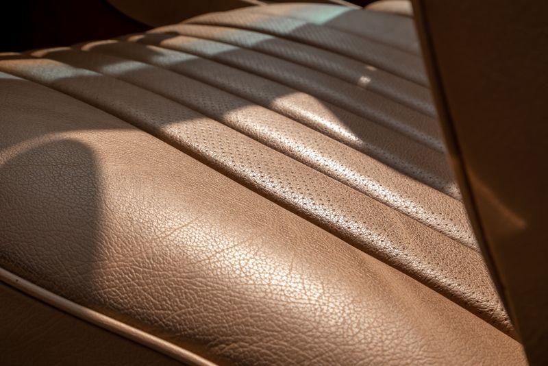 1985 Mercedes-Benz SL 560 73642