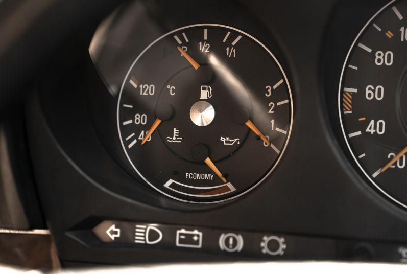 1989 Mercedes-Benz SL 300  67469