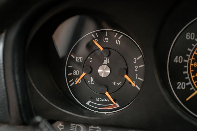 1985 Mercedes-Benz SL 560 77065