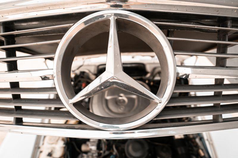 1985 Mercedes-Benz SL 560 77073