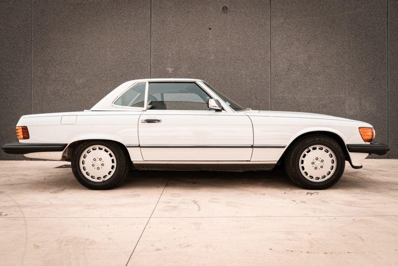 1985 Mercedes-Benz SL 560 77040