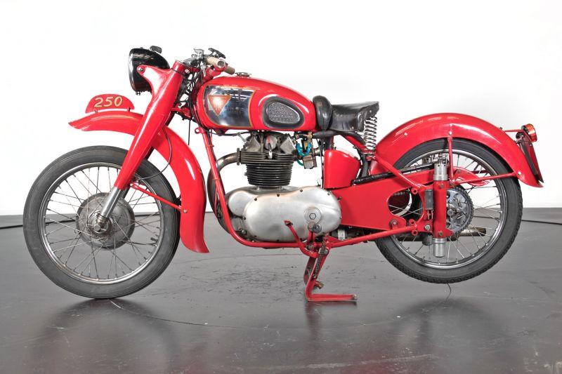 1951 MM 250 75086