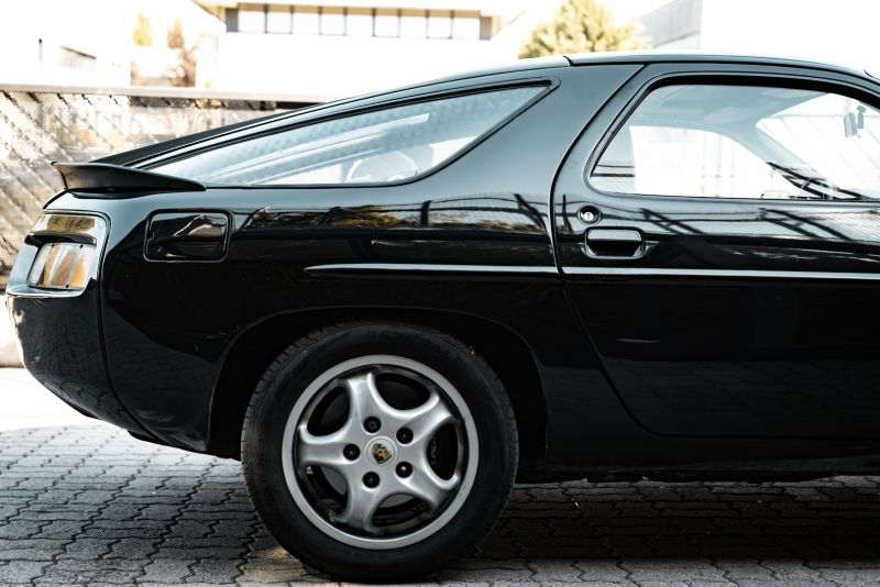 1985 Porsche 928 S 77484
