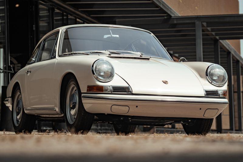 "1966 Porsche 911 2.0 L - S.W.B. ""Serie 0"" 75311"