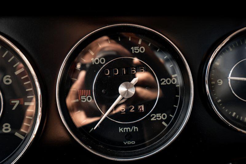 "1966 Porsche 911 2.0 L - S.W.B. ""Serie 0"" 75341"