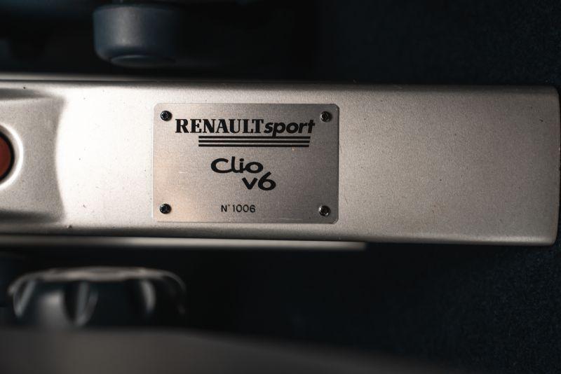 2002 Renault Clio 3.0 V6 Renault Sport Phase1 84954