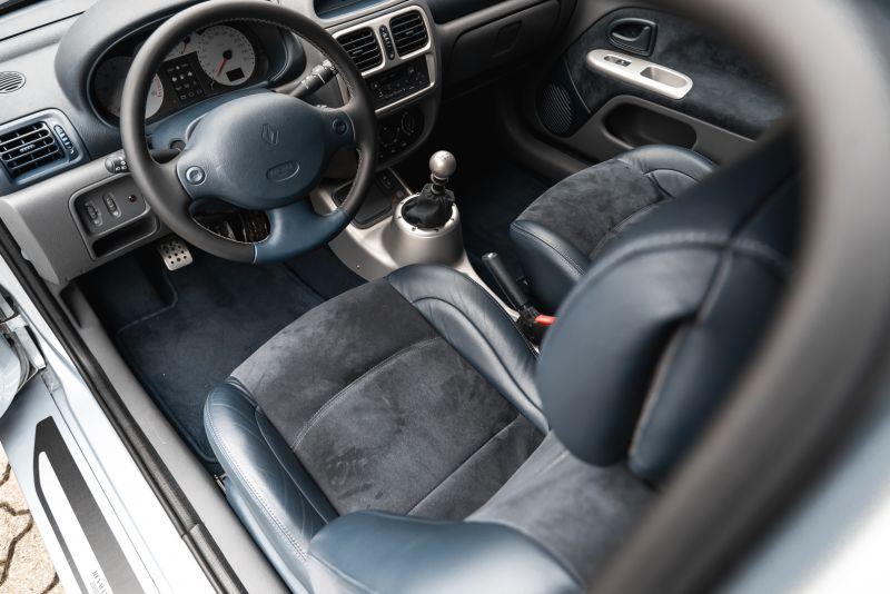 2002 Renault Clio 3.0 V6 Renault Sport Phase1 84944