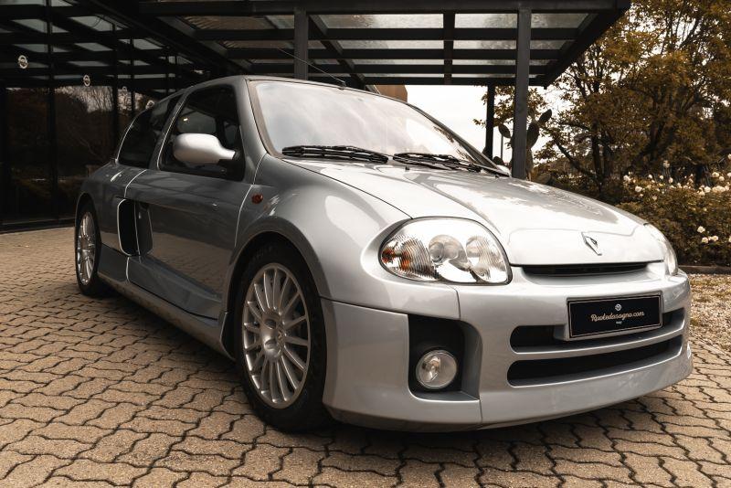 2002 Renault Clio 3.0 V6 Renault Sport Phase1 84922